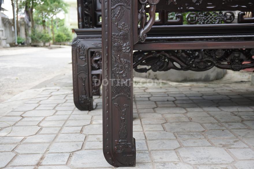 Chân bàn cứng cáp, khỏe khoắn, chắc nịch - Ảnh: Dotinh.com