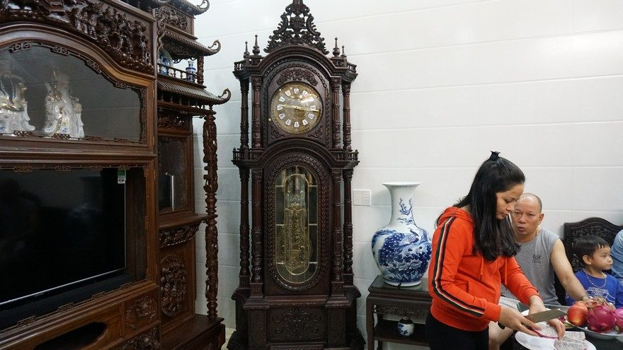 Ở đâu bán đồng hồ tủ đứng Đức đẹp chất lượng? (Ảnh: Dotinh.com)