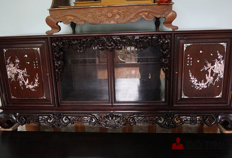 Bàn giao sập mai thọ + tủ mai cheo cho khách hàng Quảng Ninh (Ảnh: Dotinh.com)