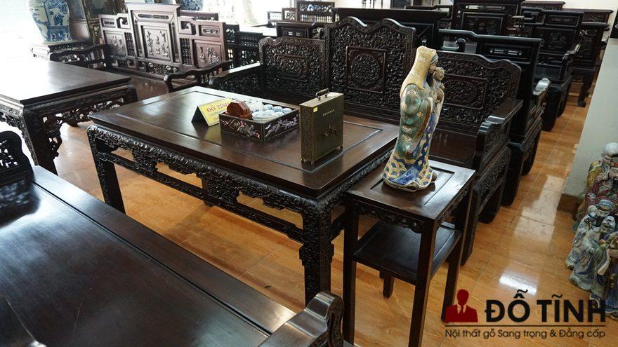 Bộ trường kỷ triện dắt cung đình Huế - Sự vương giả, quý tộc (Ảnh: Dotinh.com)