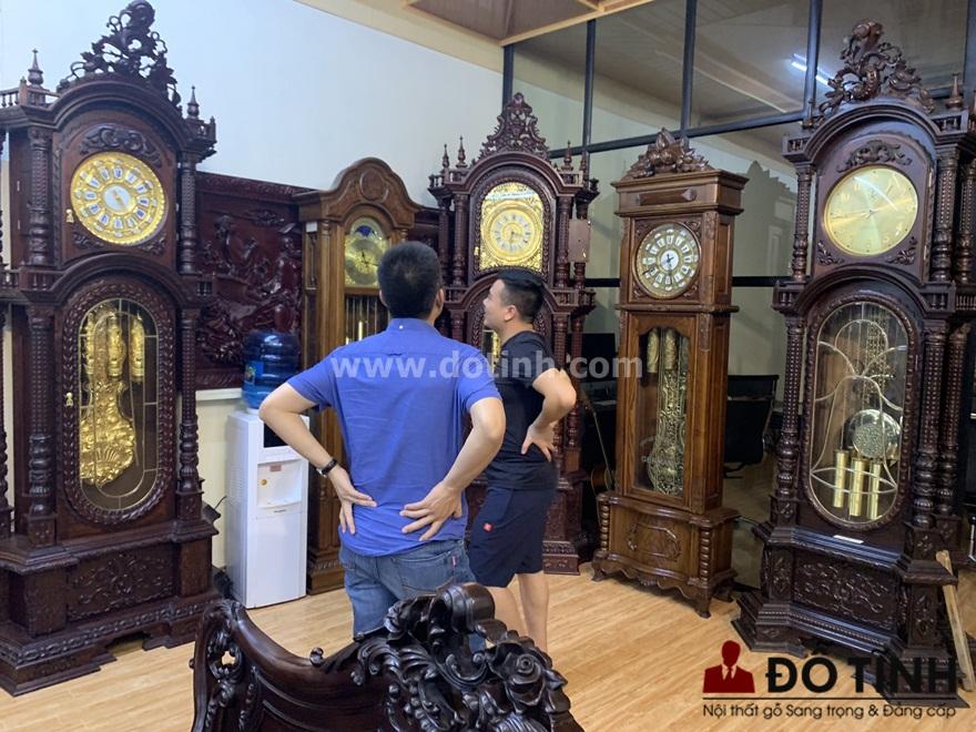 DH14: Đồng hồ cây gỗ gụ đã làm si mê nhiều khách hàng (Ảnh: Dotinh.com)