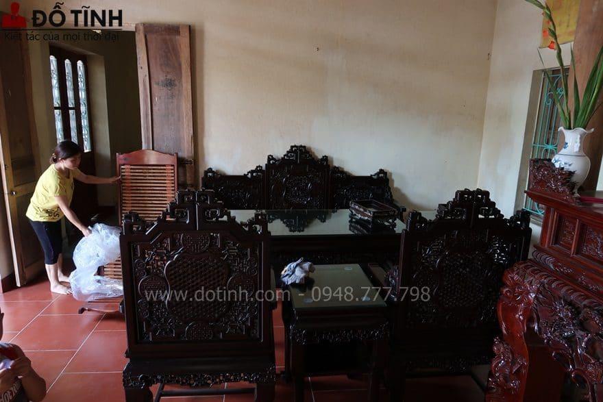 TK17: Bộ trường kỷ ngũ lân vờn cầu tại Hà Nội - Ảnh: Dotinh.com