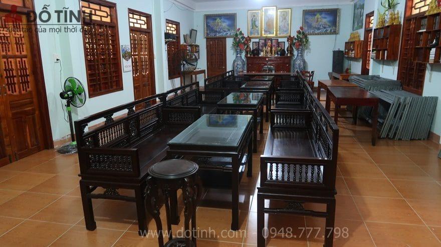 Xác định mẫu bàn ghế gỗ cổ điển hay hiện đại - Ảnh: Dotinh.com